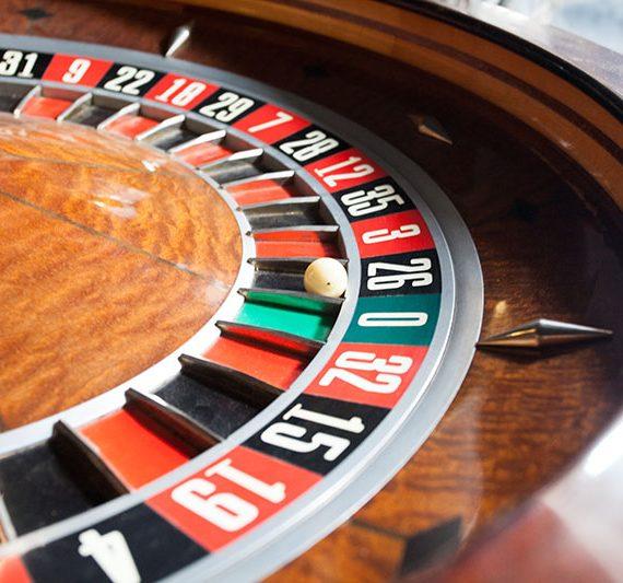 Vintage roulette wheel clubhouse interiors - Roulette meuble vintage ...