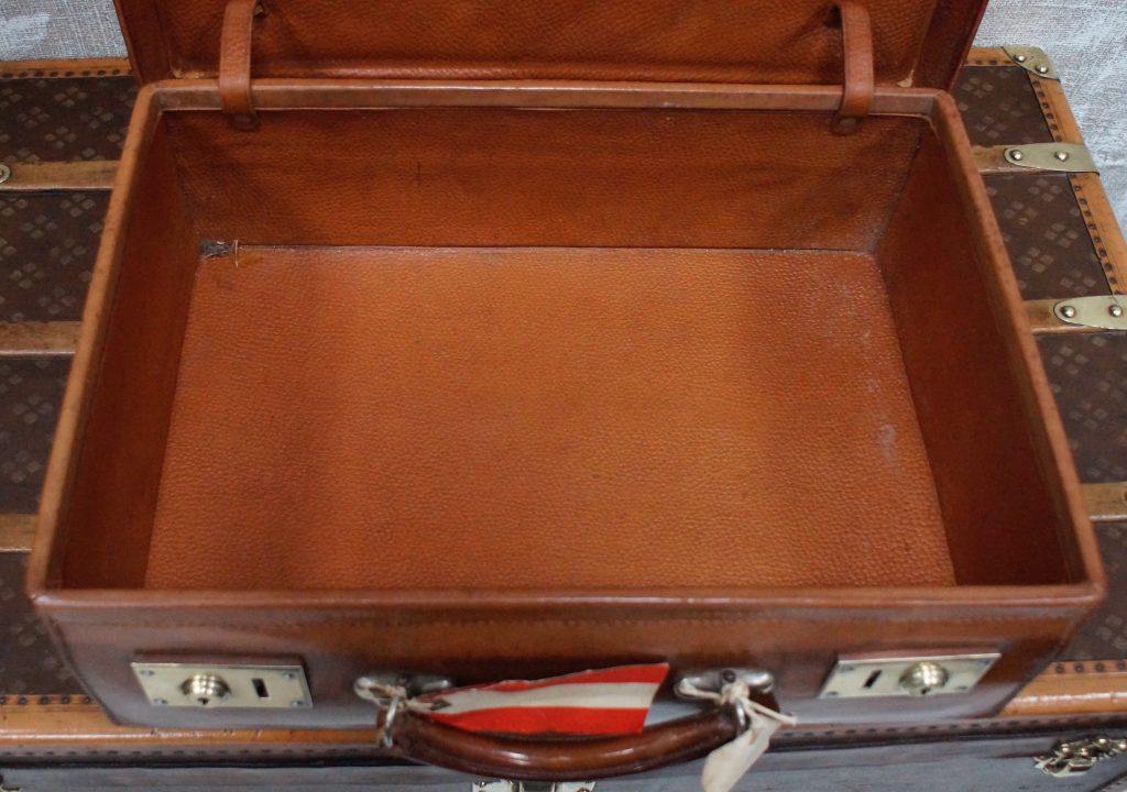 Leather Overnight Case By A Barrett Amp Sons Clubhouse
